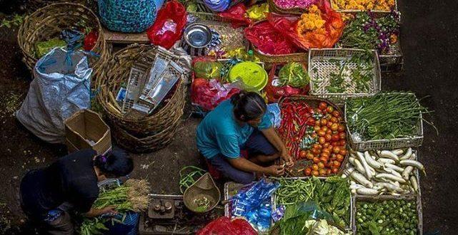 تابعوا معنا أجمل المناظر والصور للخضار والفواكه في سوق الهال ..