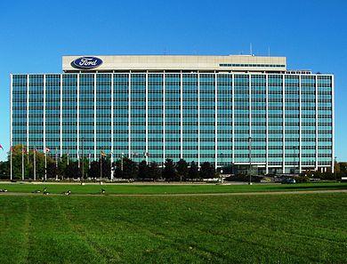 تعالوا نعرفكم على تاريخ #شركة_ فورد_ للسيارات..تاريخ  التأسيس في 16 يونيو 1903م..وهي الشركة الخاصة بصناعة وإنتاج السيارات في الولايات المتحدة الأمريكية..وكان مؤسسها المُهندسِ الميكانيكي الأمريكي #هنري_ فورد.. بمساعدة أحدَ عشرَ مهندسًا آخر..