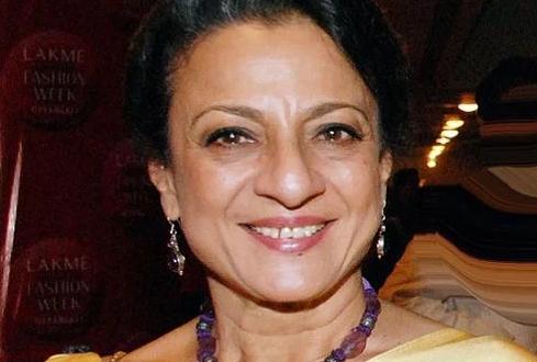 تعرفوا على مسيرة #تانوجا_ سامارث Tanuja Samarth.. المعروفة باسم #تانوجا..وهي ممثلة سينمائية هندية تعمل في الغالب في صناعة الأفلام الهندية. هي جزء من عائلة موكرجي-سامارث ، وهي ابنة الممثلة #شوبانا_ سامارث والمنتج#كومارسين_ سامارث..